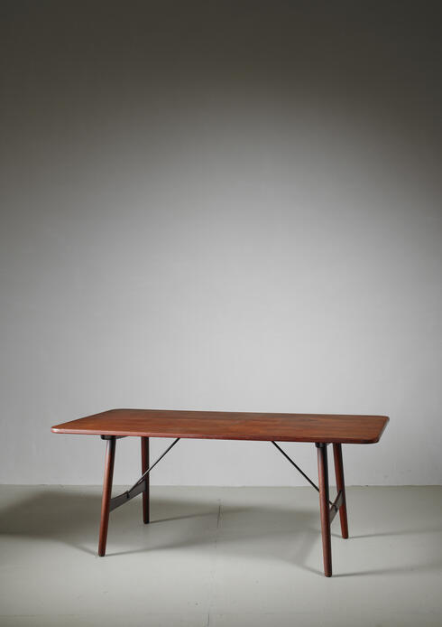 Bloomberry - Børge Mogensen Early Hunting Table for Søborg, Denmark,1950s