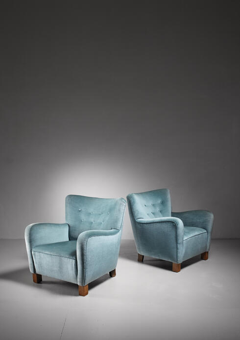 Bloomberry - Pair of Fritz Hansen lounge chairs, Denmark, 1940s