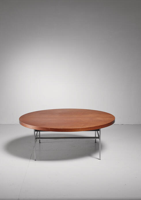 Bloomberry - Large Round George Nelson Coffee Table in Walnut, USA, 1950s