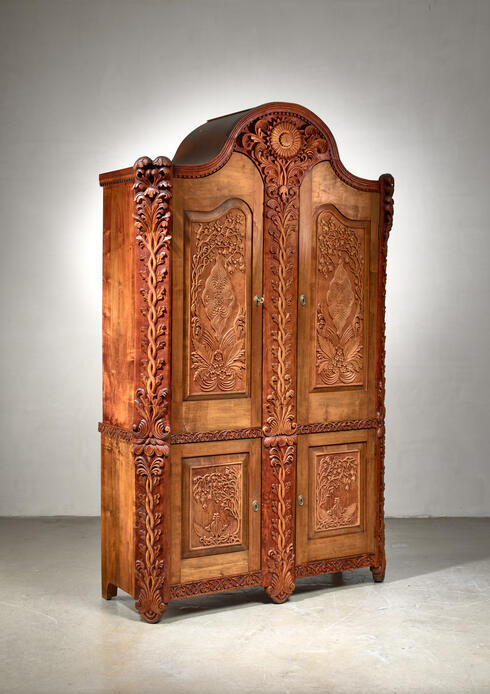 Bloomberry - Knut Fjaestad Art Nouveau cabinet, Sweden, early 20th century