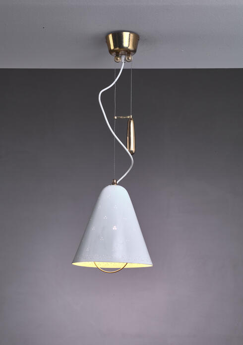 Bloomberry - Paavo Tynell height-adjustable counterweight pendant in white. Finland, 1950s