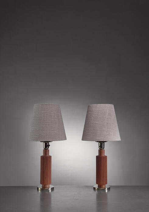 Bloomberry - Pair of Boras Boréns brass and ribbed wood table lamps