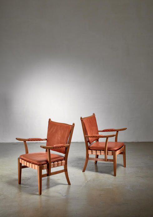 Bloomberry - Pair of Modernist chairs, Austria, circa 1930