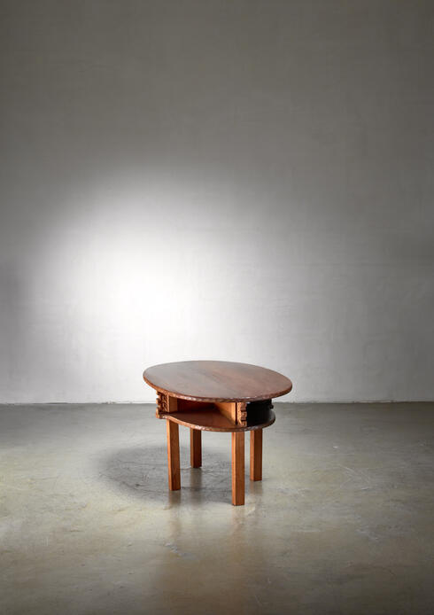 Bloomberry - Joel Norborg pine coffee table, Sweden, 1917