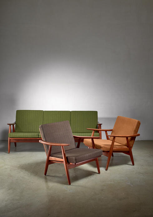 Bloomberry - Hans Wegner lounge set with pristine original upholstery, Denmark