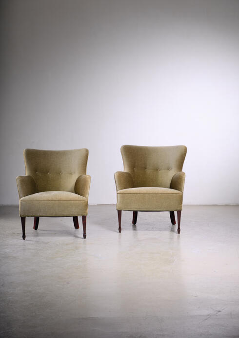 Bloomberry - Frits Henningsen pair of green velour easy chairs