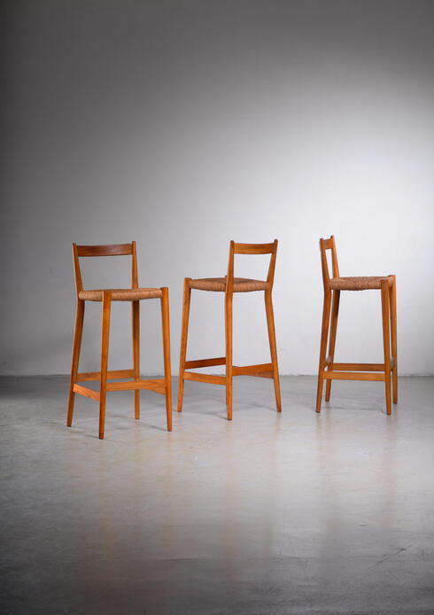 Bloomberry - Set of 3 oak barstools with low backrest