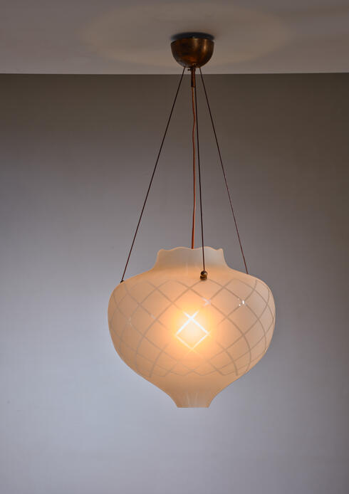 Bloomberry - Scandinavian Modern frosted glass pendant lamp