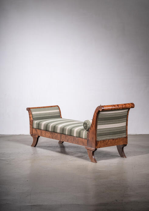 Bloomberry - Empire style chaise longue