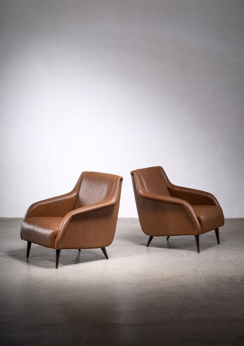 Bloomberry - Pair of model 802 armchairs by Carlo de Carli for Cassina
