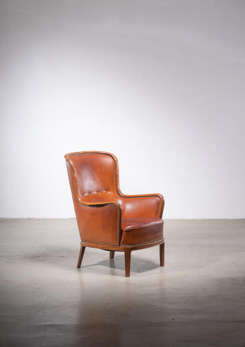 Bloomberry - Frits Henningsen magoany and leather wingback easy chair