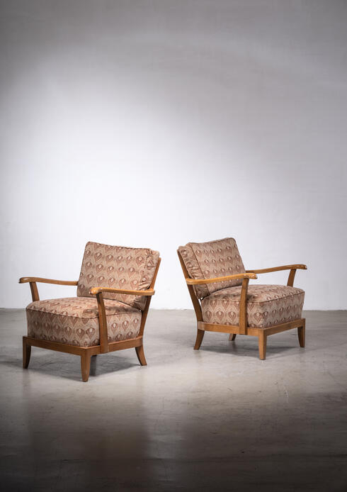 Bloomberry - Pair of Anna-Lulja Praun armchairs