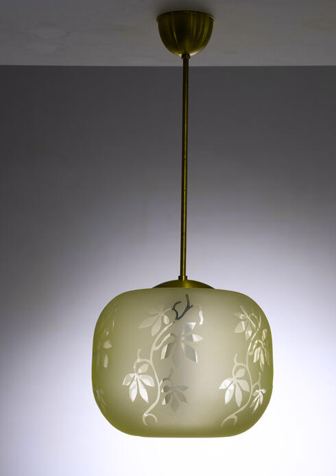 Bloomberry - Frosted glass pendant with plant motif, Sweden