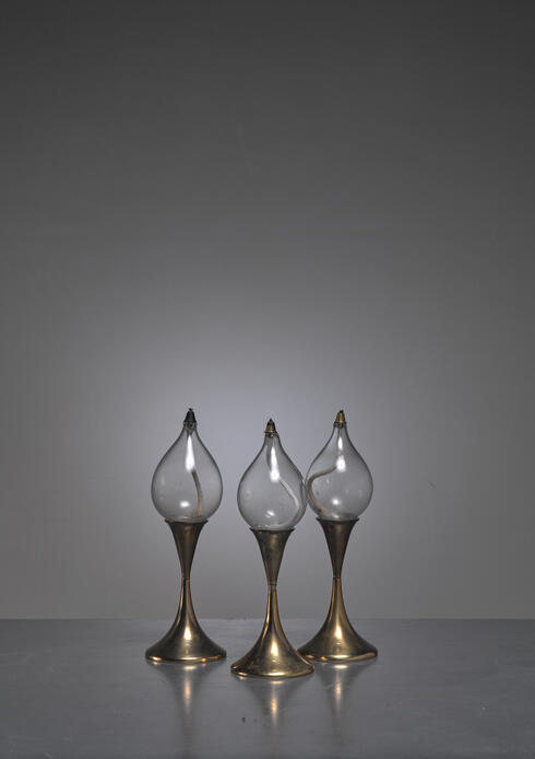 Bloomberry - Set of three identical brass oil lamps or candle holders, Denmark
