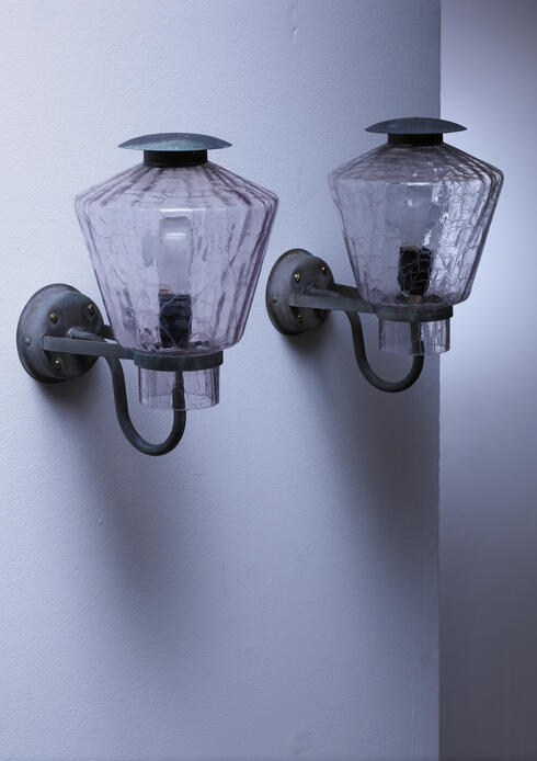 Bloomberry - Pair of copper and patterned glass wall lamps, Sweden, 1930s