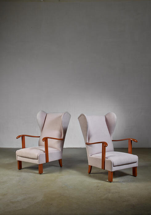 Bloomberry - Pair of Fritz Hansen wingback lounge chairs, Denmark, 1930s