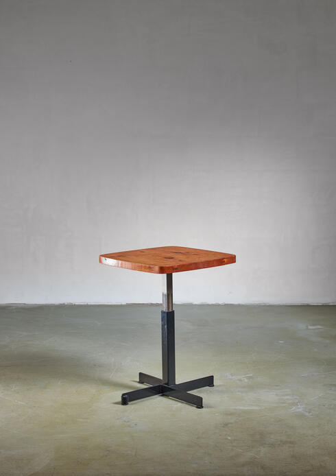 Bloomberry - Charlotte Perriand small height-adjustable table