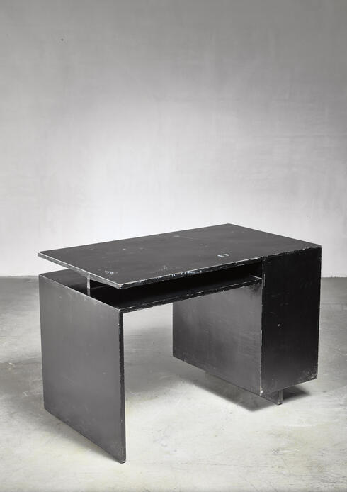 Bloomberry - Elmar Berkovich desk, Dutch, 1930s
