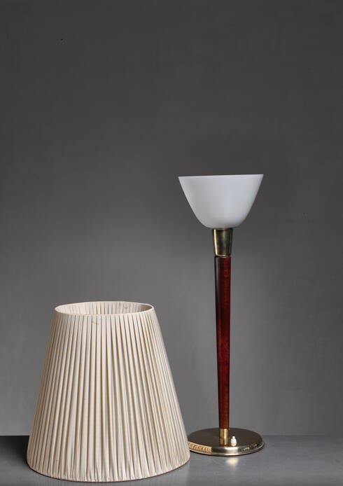 Bloomberry - Lisa Johansson-Pape table lamp, Finland, 1950s