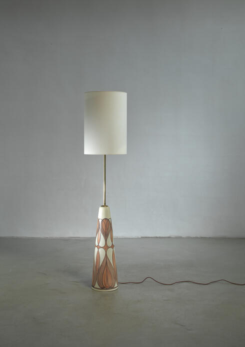 Bloomberry - Rigmor Nielsen floor lamp with brown motif, Denmark, 1960s