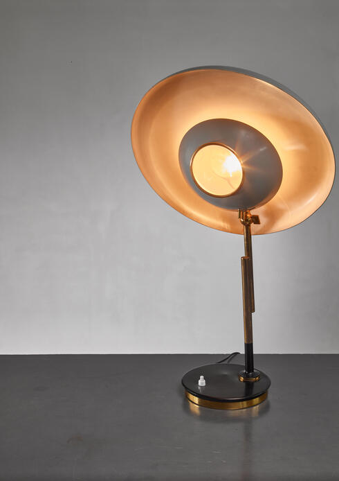 Bloomberry - Oscar Torlasco model 555 table lamp for Lumi, Italy