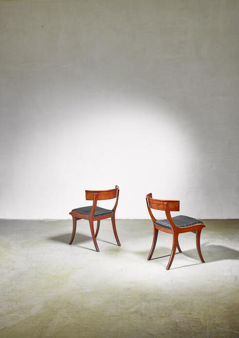 Bloomberry - Pair of mahogany Klismos chairs, Denmark