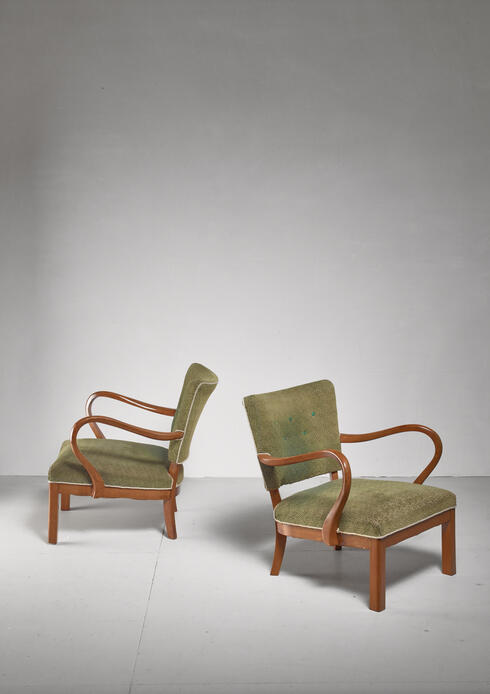 Bloomberry - Pair of beech lounge chairs with green patterned wool, 1930s