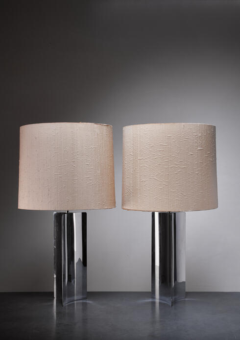 Bloomberry - Pair XL 1960s table/console lamps with folded chrome base and fabric hood