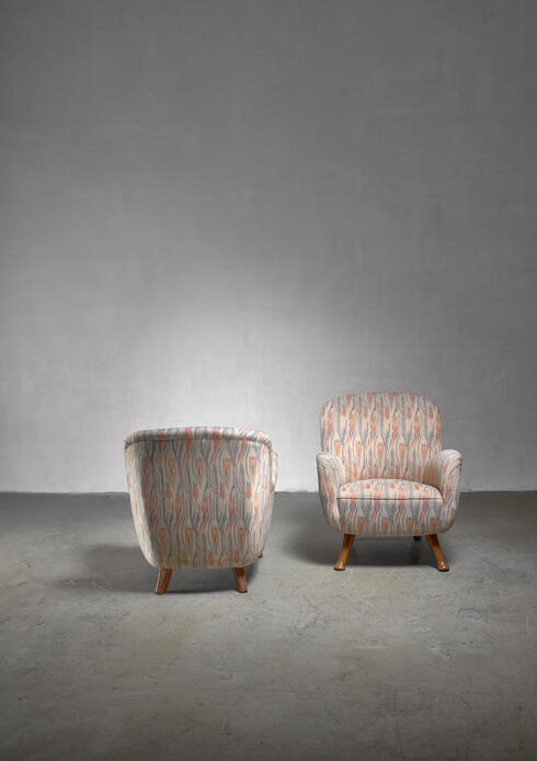 Bloomberry - Berga pair of lounge chairs