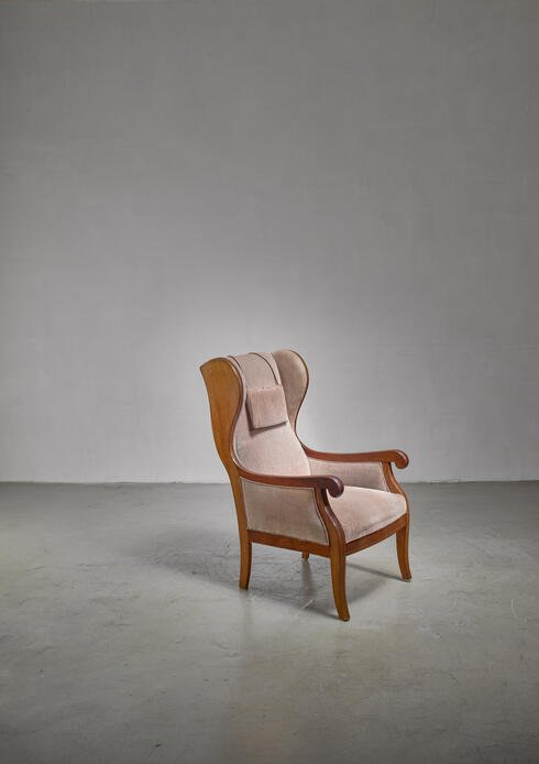 Bloomberry - Frits Henningsen wingback lounge chair, Denmark
