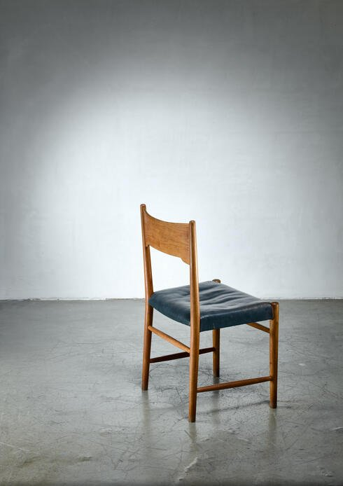 Bloomberry - Hans Wegner 2B chair for Plan Møbler, Denmark