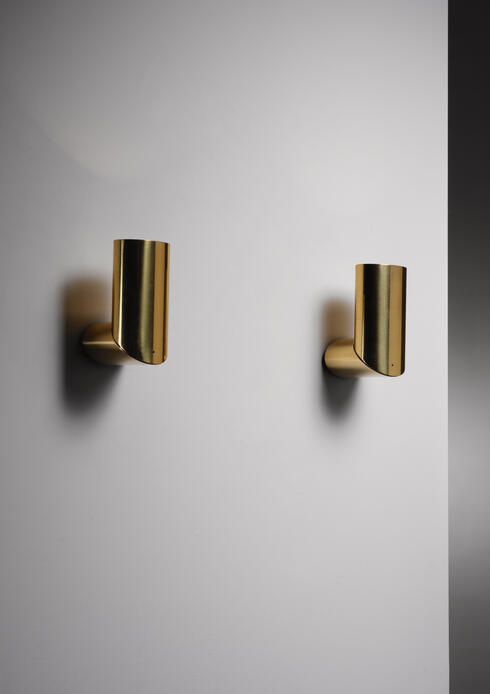 Bloomberry - Pair of brass Arredoluce adjustable wall lamps