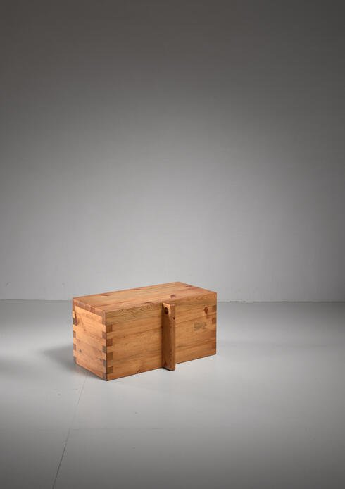 Bloomberry - Roland Wilhelmsson pine chest, Sweden, 1970s