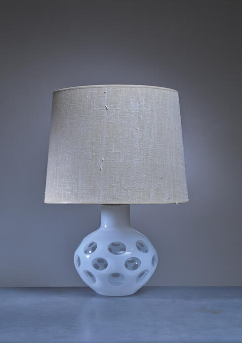 Bloomberry - Carlo Nason glass table lamp for Mazzega in white, Italy, 1970s