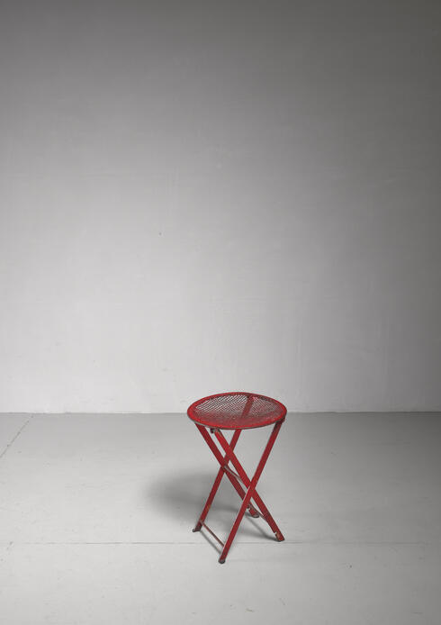 Bloomberry - Foldable red metal stool, Germany, 1950s
