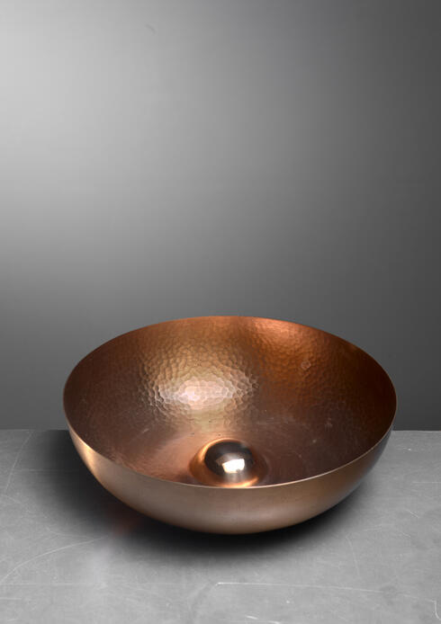 Bloomberry - Tapio Wirkkala hand-worked copper fruit bowl for Kultakeskus, Finland