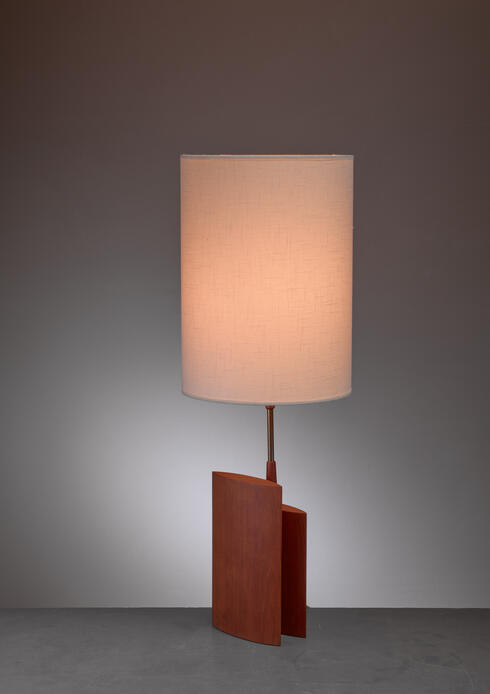 Bloomberry - Table lamp with two ellipsoid wood parts and brass stem, Denmark, 1960s