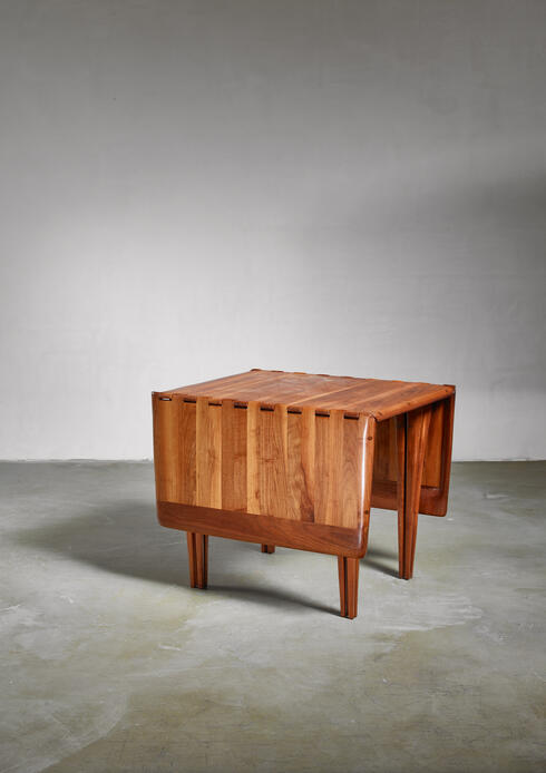 Bloomberry - Lee Swennes studio craft drop-leaf table with sixteen legs, American, 1960s