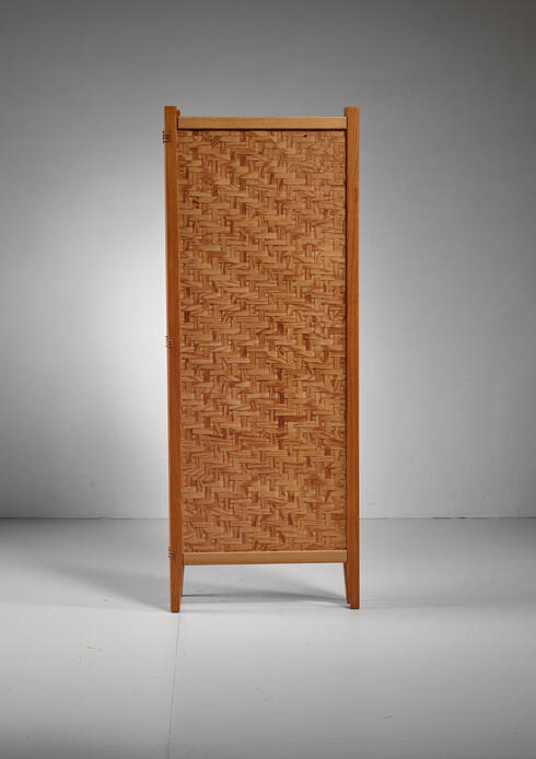 Bloomberry - Pine folding screen, Sweden