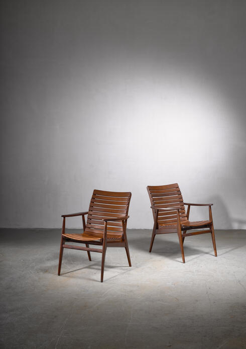 Bloomberry - Pair of beech slat chairs