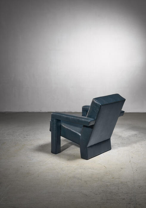 Bloomberry - Gerrit Rietveld Unesco chair for Artifort