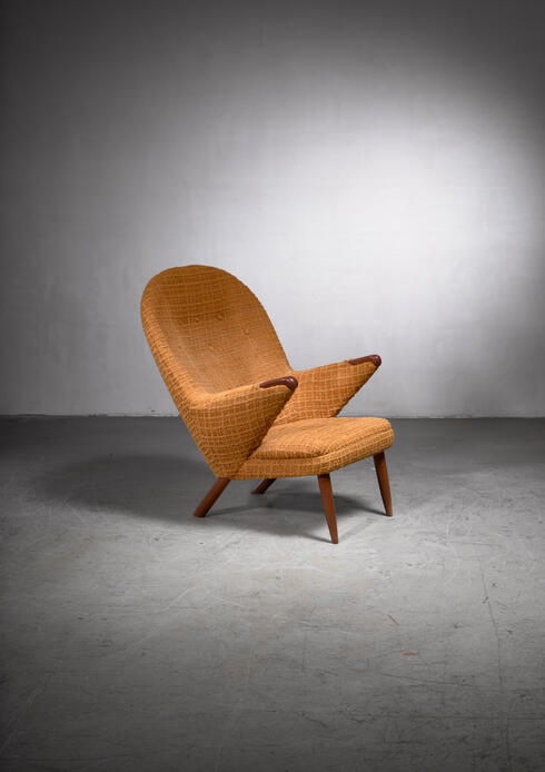 Bloomberry - Georg Thams highback easy chair