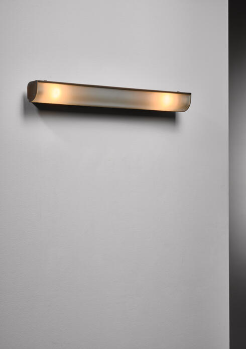 Bloomberry - Brass wall lamp