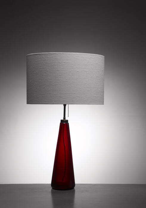 Bloomberry - Vistosi red glass table lamp