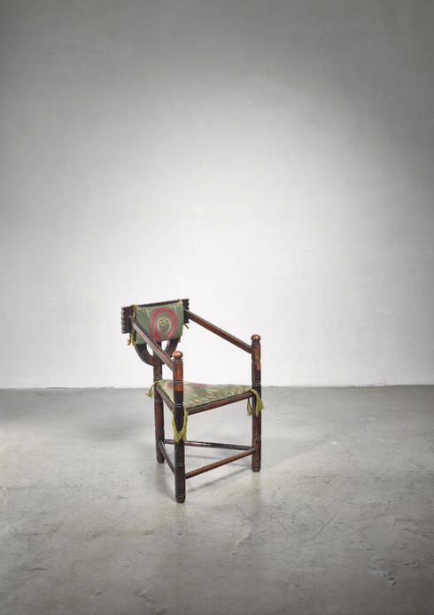 Bloomberry - Folk art monk chair