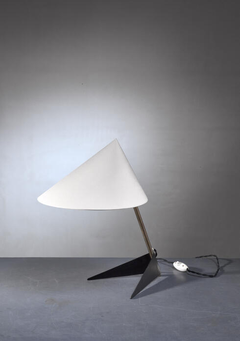Bloomberry - Carl Aubock table lamp