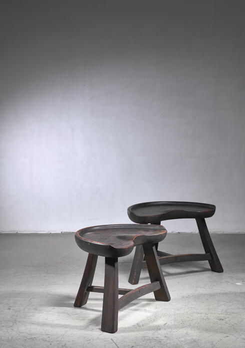 Bloomberry - Pair of  tripod stools by Krogenas