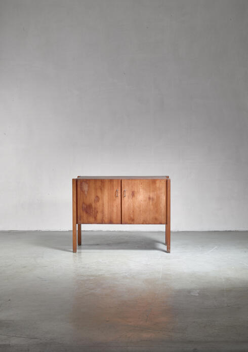 Bloomberry - Pine Finn Form sideboard, Finland, 1950s