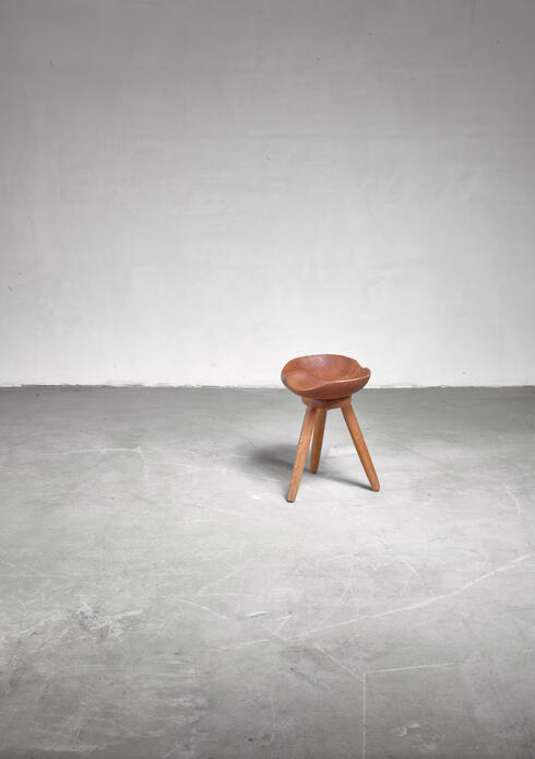 Bloomberry - Sculptural Swedish craft stool