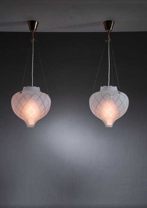 Bloomberry - Pair of frosted glass pendants